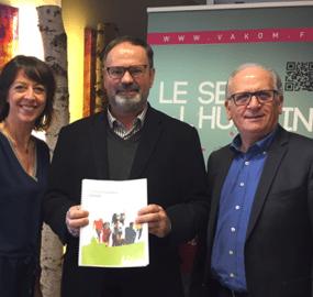 Signature renouvellemen franchise Jean Luc Marrast Vakom Lille
